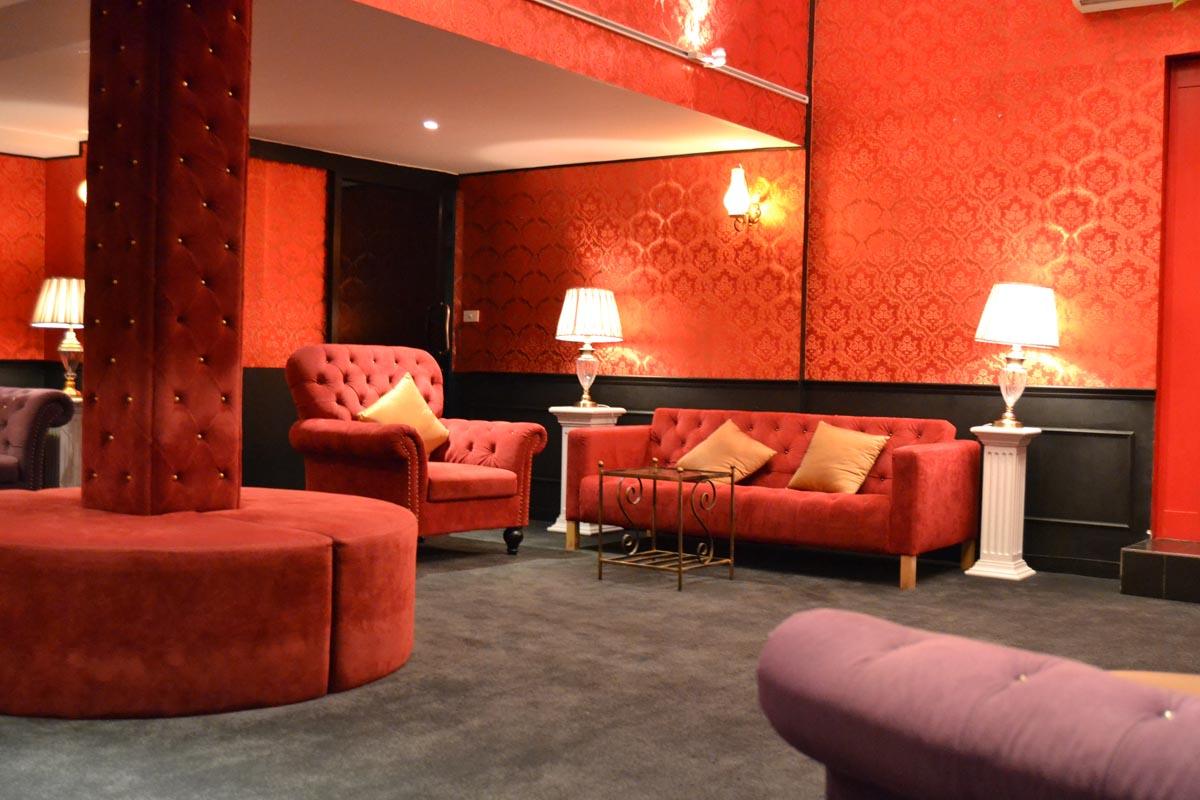 102 5 stars massage club on Sukhumvit